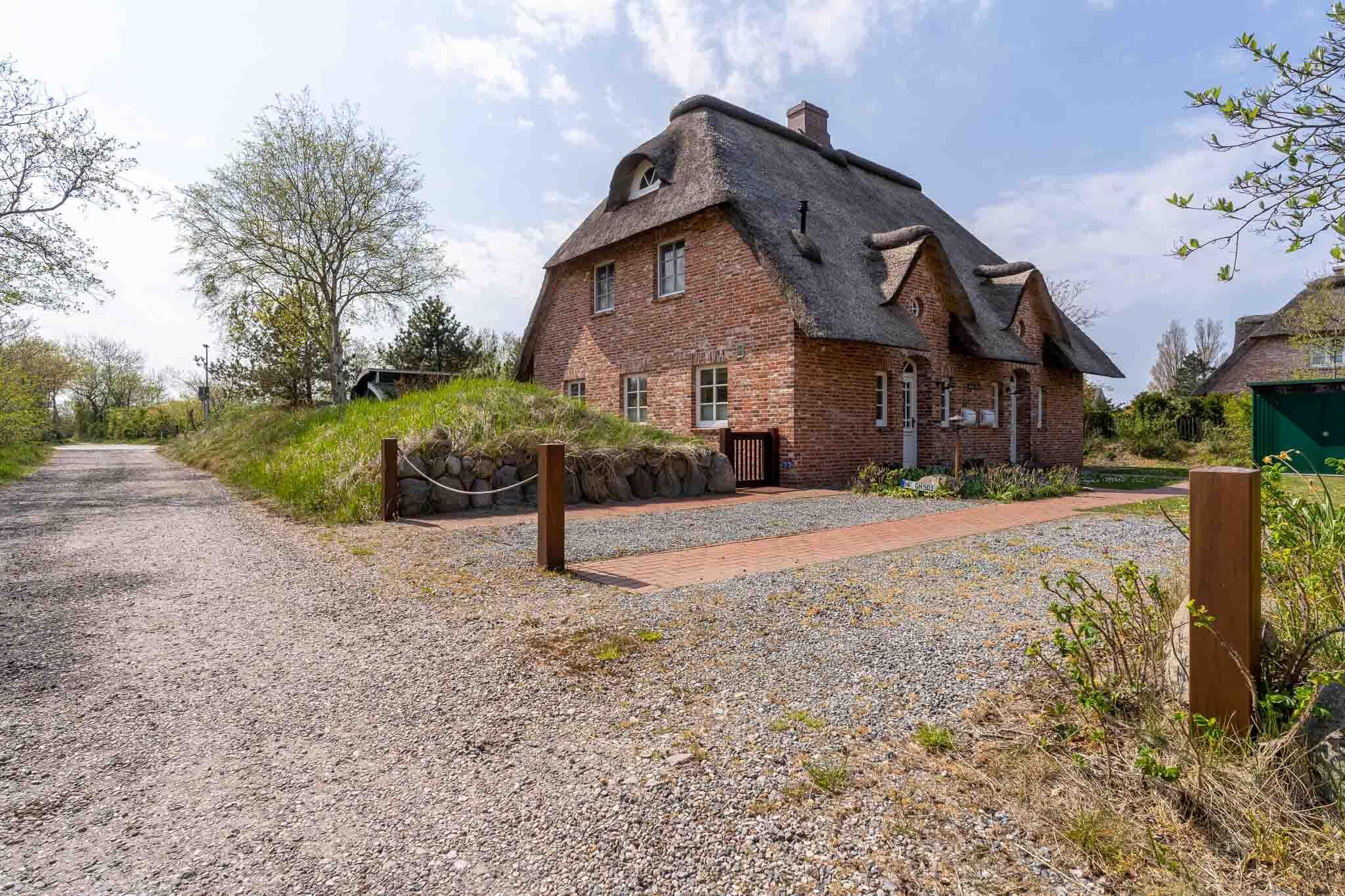 Attraktive Doppelhaushälfte unter Reet im Ortsteil Böhl